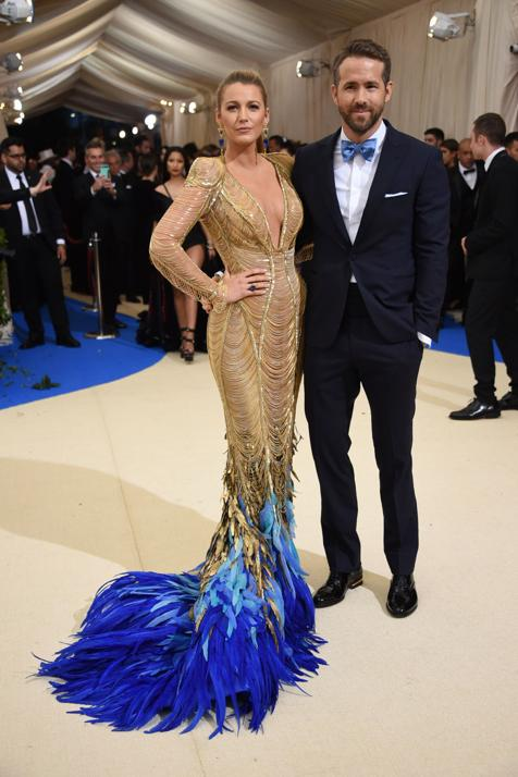 Blake Lively y Ryan Reynolds posan en un evento reciente./