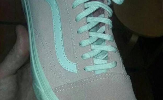 88506e3644 Azul o rosa  ¿De qué color ves esta zapatilla
