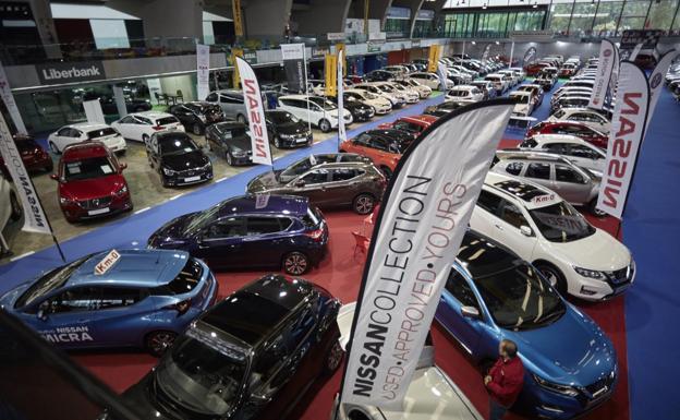 La Feria del Vehículo de Ocasión trata de ignorar el momento político