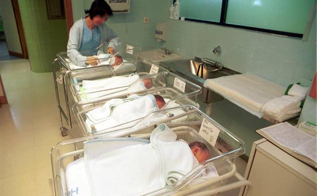 0885c7550 La ONU recomienda incentivar la natalidad