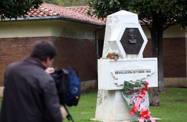Atacan con pintura marrón el memorial en recuerdo a la revolucionaria Aida Lafuente