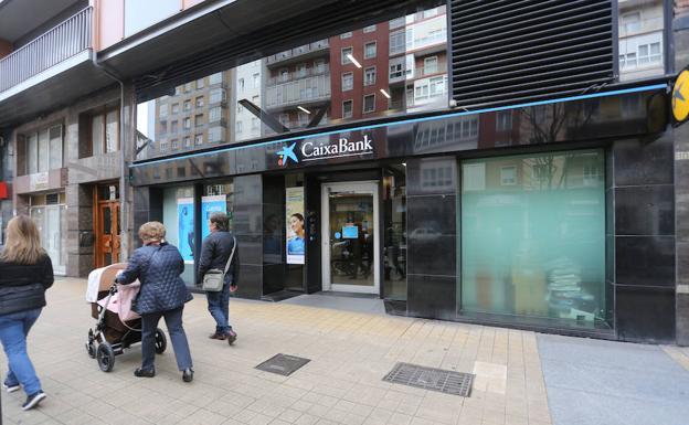 Caixabank prev cerrar once oficinas en asturias con 58 for Oficinas caixabank madrid