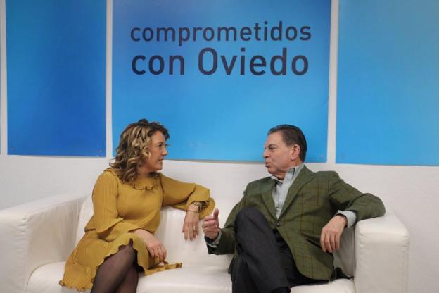 Teresa Mallada y Alfredo Canteli en la sede del PP de Oviedo. /  E. C.