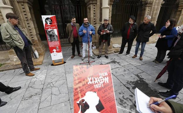 El colectivo de Entidades Memorialistas y Republicanas de Xixón/Jorge Peteiro
