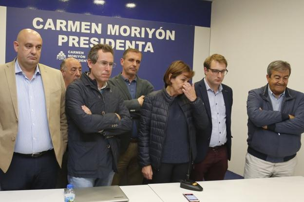 Leal, Couto, Moriyón, Pumares y Álvarez Cascos, tras conocer el resultado./P. LORENZANA