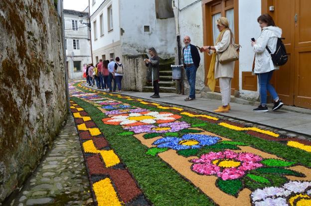 Castropol Impresiona Con Sus Alfombras Florales De Corpus Christi