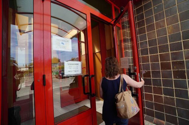 La falta de médicos impide reforzar los centros de salud de zonas turísticas