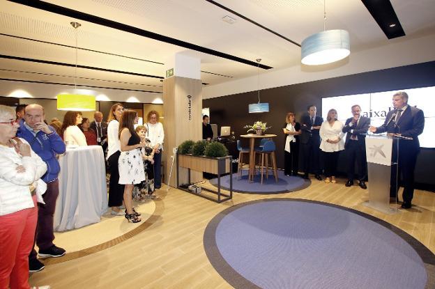 Caixabank Presenta Su Nuevo Modelo De Oficina Store Gijón