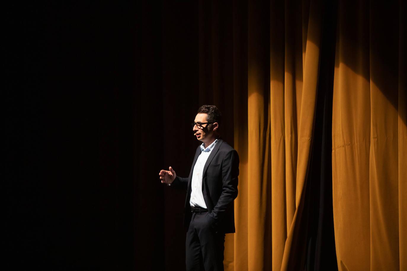 El Espectáculo De Berto Romero En El Teatro De La Laboral Se Aplaza Hasta Junio El Comercio