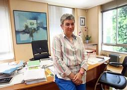 La Consejera De Educacin Del Principado Posa En Su Despacho Tras Entrevista Que