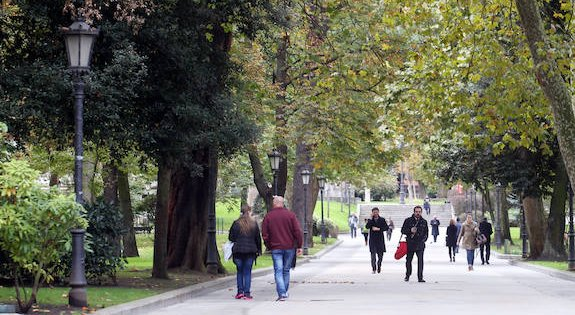 Resultado de imagen de Campo de san Francisco, Oviedo, el comercio