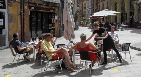 El Ayuntamiento De Oviedo Ordena La Retirada De 93 Terrazas