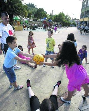 El Balon Llega A Los Parques Divertidos El Comercio